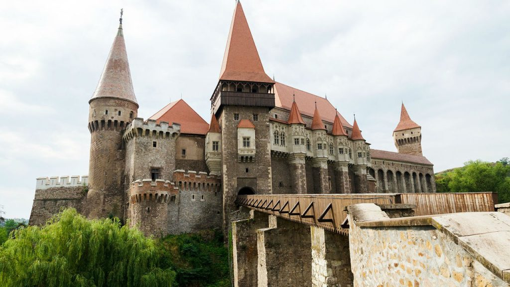 trip.am - castle medieval hunedoara