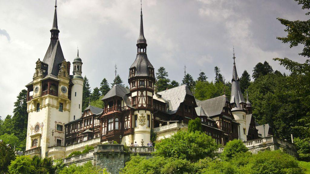 trip.am - Peles Castle Sinaia Romania